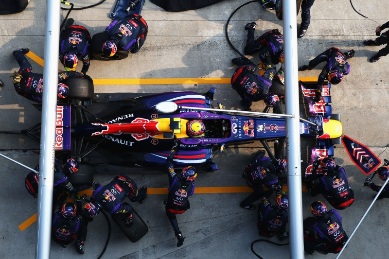 Mark Webber's RB9 being serviced during the Malaysian Formula One Grand Prix at the Sepang Circuit on March 24, 2013 in Kuala Lumpur, Malaysia. © Paul Gilham/Getty Images